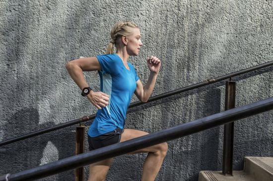 跑步核心训练动图:很多人坚持不到10分钟!